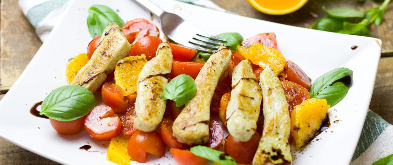 Tomatensalat mit Putenstreifen